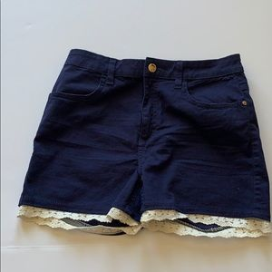 NEW 🔥🔥H&M navy blue lace bottom shorts girls 14Y